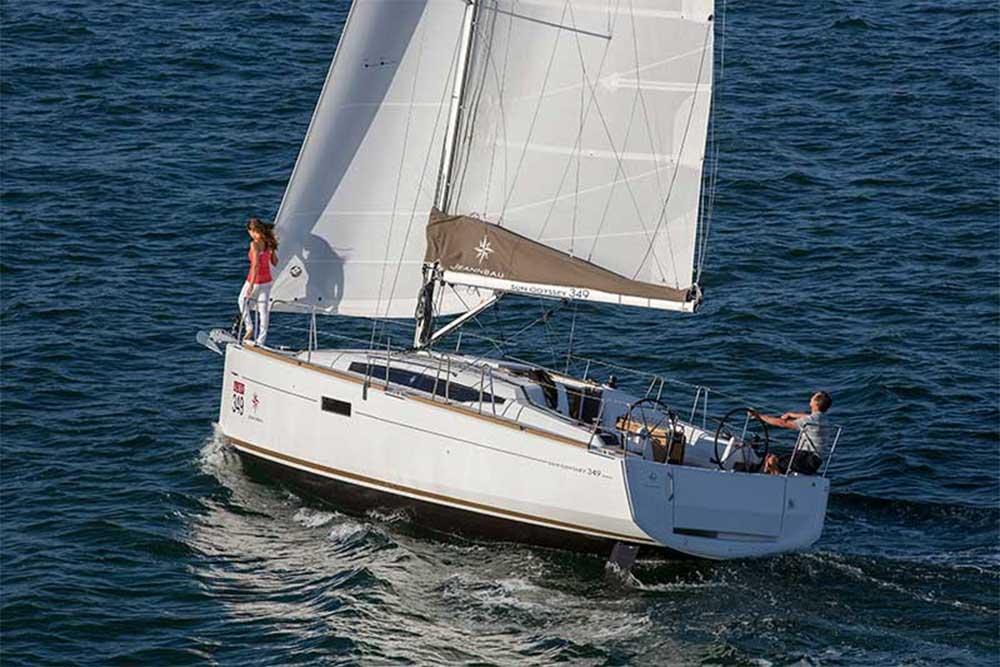 Yacht Charters Cyprus - Jeanneau 349 (14)